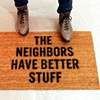 לשטיח כניסה הזה יש מסר ברור
