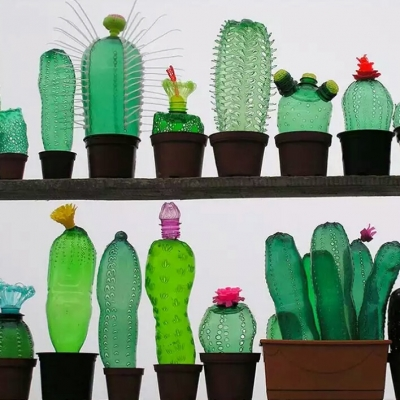 An Artist Creates Incredible Growing Plants From PET Bottles