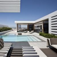 בית עם נוף לנמל של משרד האדריכלים