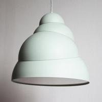סטסיס היא מנורה תלויה של סטודיו באאג
