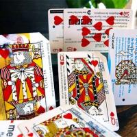 קלפי משחק המודפסים על כרטיס