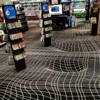 שטיח מתעתע בחנות Fnac ב La Defense