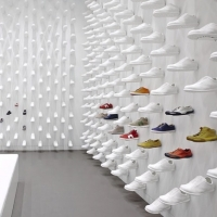 חנות נעליים חדשה שבניו יורק
