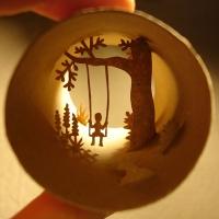 אומנות בתוך גלילי נייר טואלט